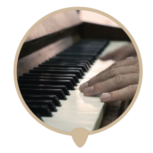 Piano hands right icon - Learn piano. Piano lessons, classes and teachers in Sydney City.